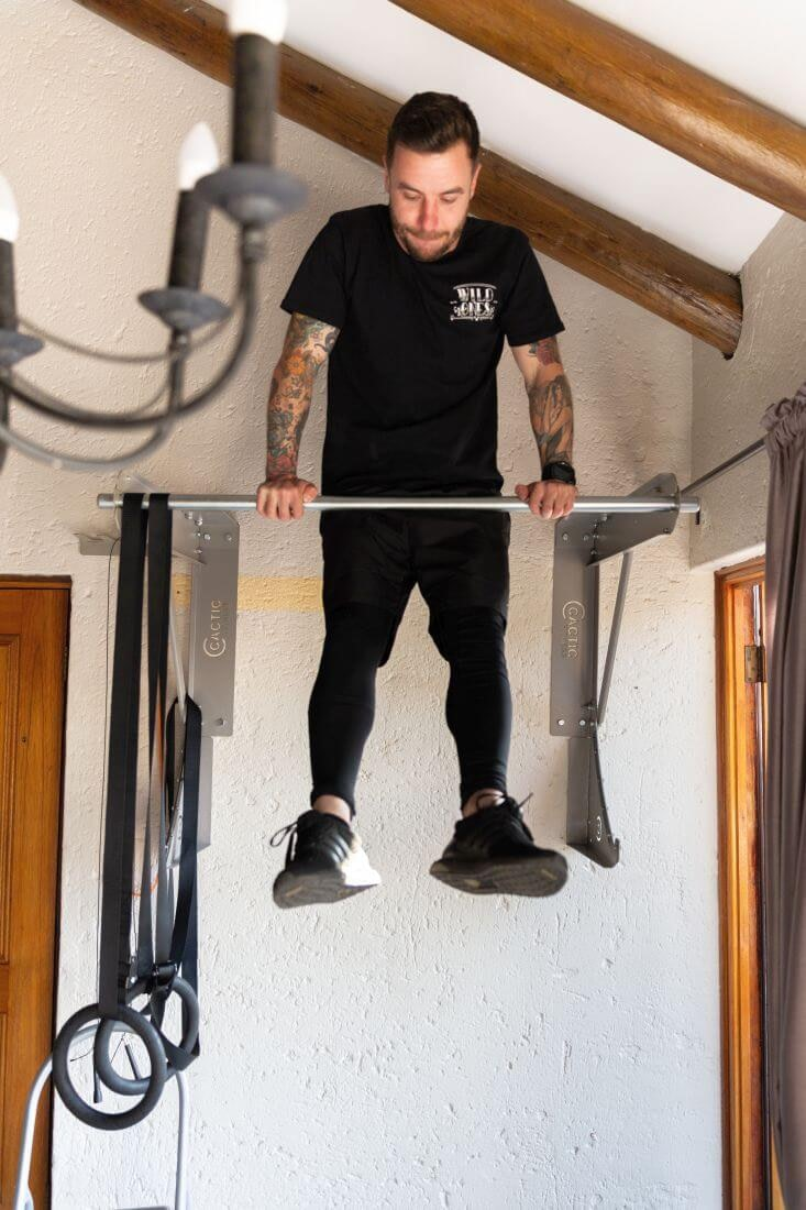 Kipping-Bar-Muscle-up
