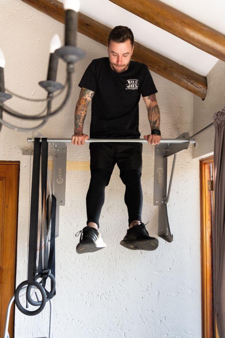 Kipping Bar Muscle Up