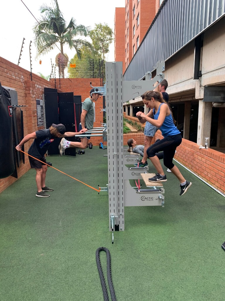 GridFit-Side-View-5-People-Training